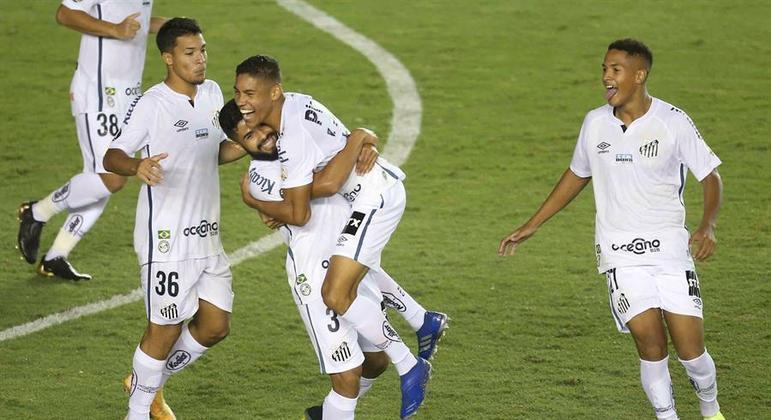 Vinícius Balieiro fez seu primeiro gol no time profissional do Santos