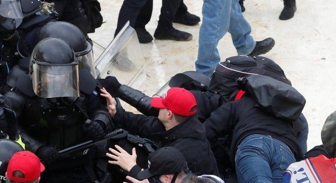 Trump não condenou as cenas violentas no Congresso dos EUA