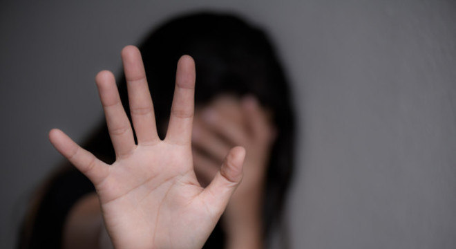 O crime de estupro tem pena de reclusão de 6 a 10 anos