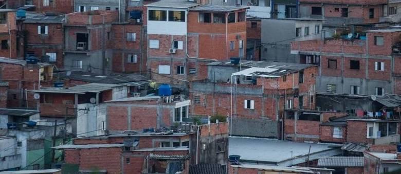 Vista da comunidade de Paraisópolis: falta de opções