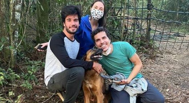 Animal foi encontrado por estudante no meio do mato