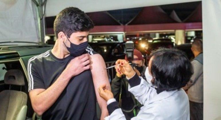 SP avalia fazer outra 'Virada da Vacina' para 2ª dose após adesão maciça
