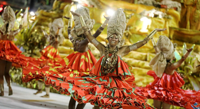 Viradouro venceu Carnaval 2020 com a história das Ganhadeiras de Itapuã