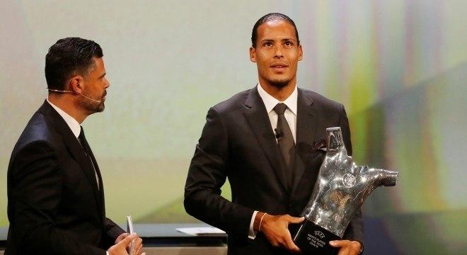 Holandês Virgil Van Dijk foi eleito o melhor jogador da Europa