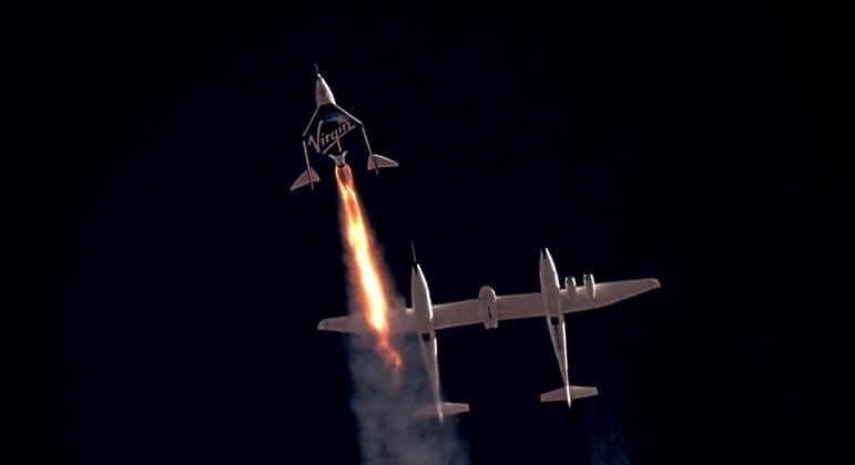 Virgin Galactic foi a primeira empresa a levar turistas para o espaço