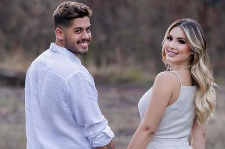 Virgínia se declara para Zé após pedido de casamento