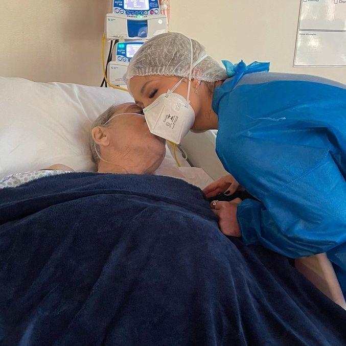 Virginia Fonseca ganha beijo do pai que está hospitalizado em UTI – Entretenimento
