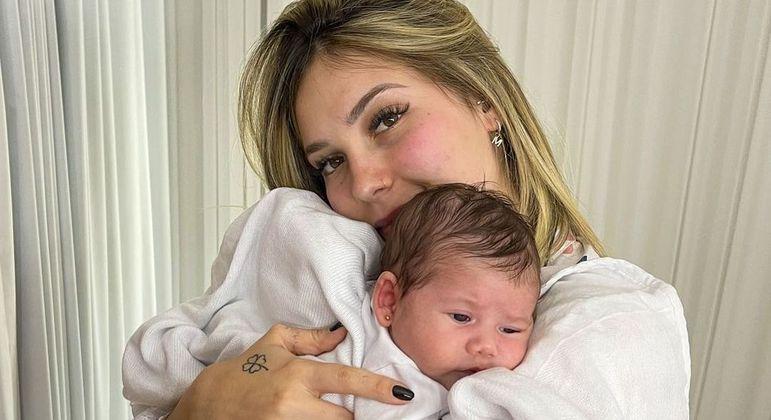 Virginia Fonseca rebate críticas sobre ter se tornado mãe visando engajamento