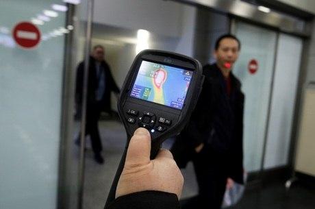 Aeroportos usam escaneamento de temperatura