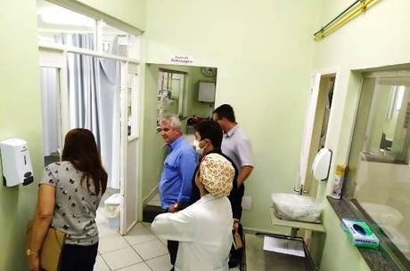 Decisão foi tomada após visita ao hospital