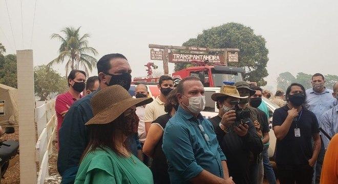 Senadores participam de visita a áreas atingidas por incêndio no Pantanal