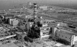 Vista aérea do reator destruído da usina de Chernobyl
