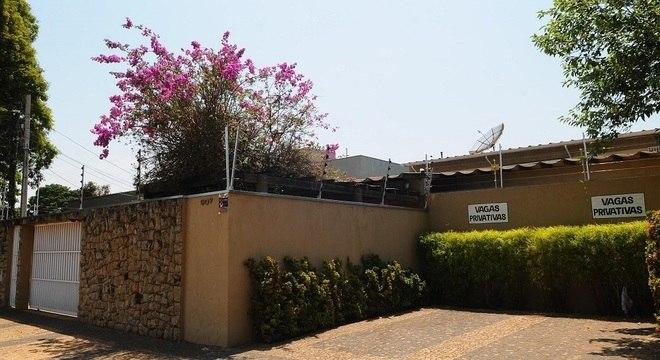 Vista da fachada da clínica terapeuta Tadashi Kadomoto em Campinas (SP)