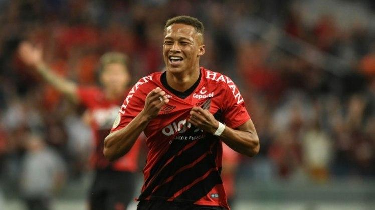 Vitinho (21) - Athletico - Valor atual: 2 milhões de euros - +300% - Diferença: 1,5 milhões de euros