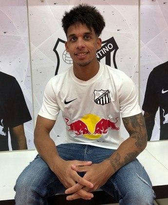 Vitinho - 22 anos - Palmeiras - Meia - O Palmeiras encaminhou a venda de Vitinho ao Red Bull Bragantino, onde o jovem atualmente atua por empréstimo.