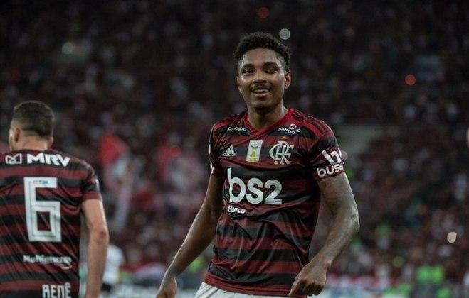VITINHO - CONTRATO ATÉ: 31/12/2022 / Posição: atacante / Nascimento: 09/10/1993 (26 anos) / Jogos pelo Flamengo: 98 / Títulos pelo Flamengo: Carioca (2), Brasileiro, Libertadores, Supercopa do Brasil e Recopa Sul-Americana.