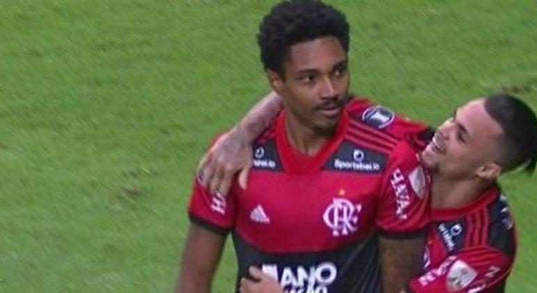 Vitinho e Michael. Dois jogadores reabilitados por Renato Gaúcho. Parecem que renasceram