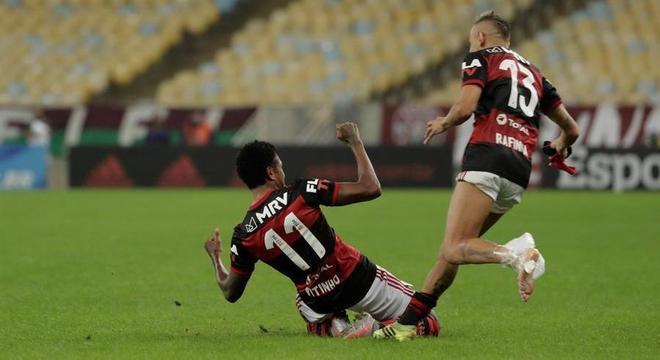 Vitinho marcou no fim e decretou o título do Flamengo