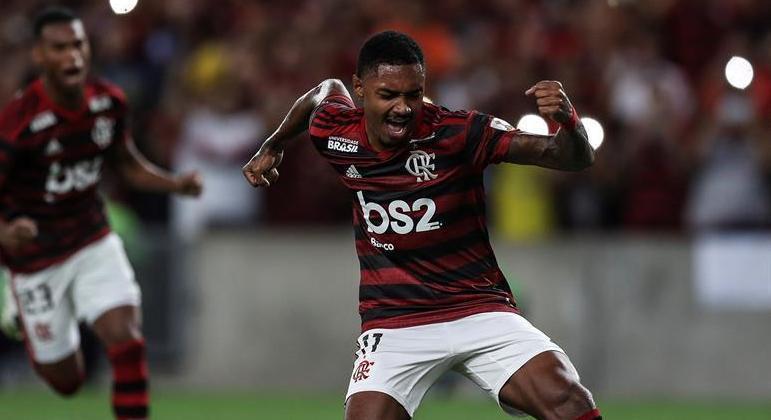 Com gols importantes desde 2019, Vitinho se destaca em momentos decisivos