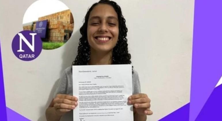 Vitória Teixeira e a carta de aprovação na universidade do Catar