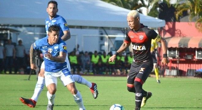 e3b01330b8 Vitória e Cruzeiro ficaram no empate por 1 a 1
