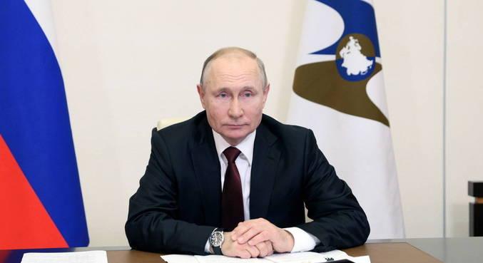 Putin promulga lei que abre caminho para exclusão de opositores
