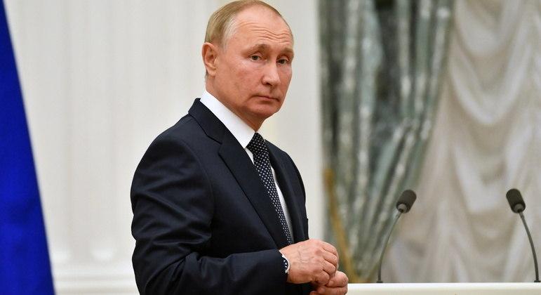Vladimir Putin se mostra irriitado com avanço de relação entre Otan e ucranianos