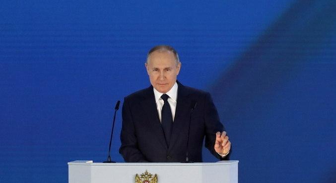 Presidente russo adverte críticos estrangeiros