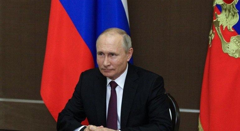 Putin manifestou apoio a Lukashenko, seu aliado de longa data