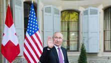 Putin volta a negar envolvimento em ciberataques contra os EUA