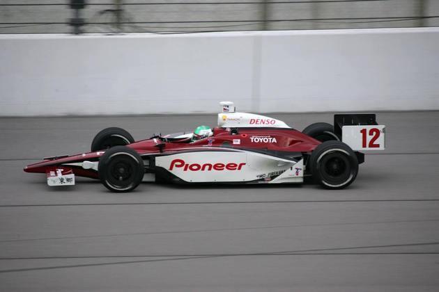 Você provavelmente não lembra de Tora Takagi na F1 entre 1998 e 1999, correndo por Tyrrell e Arrows. Depois, o japonês foi para a Indy e correu até 2004, mas sem grande sucesso também