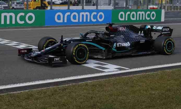 Você sabia que as vitórias de Lewis Hamilton na Fórmula 1 são divididas em 14 carros diferentes? Nesta galeria, separamos todas as máquinas guiadas pelo inglês desde 2007 (Por GRANDE PRÊMIO)