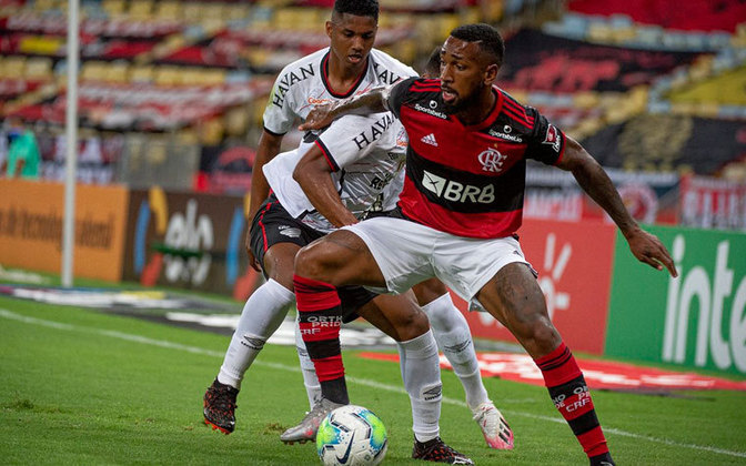 Volante: Gérson (Flamengo) - nove votos.
