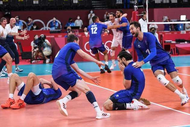 VÔLEI MASCULINO - A França fez história e conquistou a medalha de ouro pela primeira vez em sua história. Os franceses derrotaram o Comitê Olímpico Russo por 3 sets a 2.