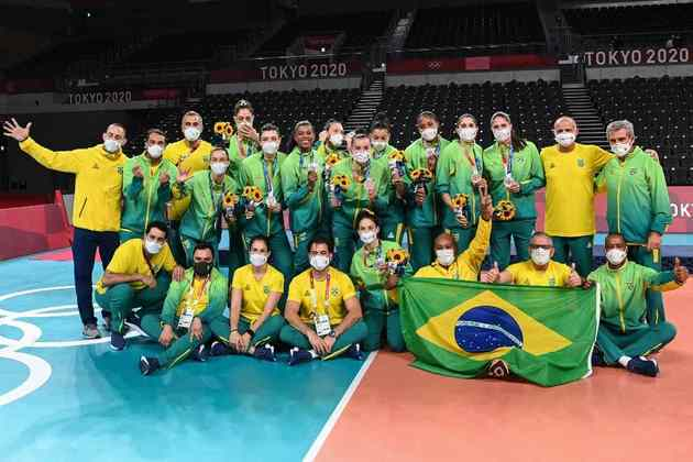 VÔLEI - O Brasil ficou com a medalha de prata no vôlei feminino e voltou ao pódio após ficar sem medalha na Olimpíada do Rio em 2016.
