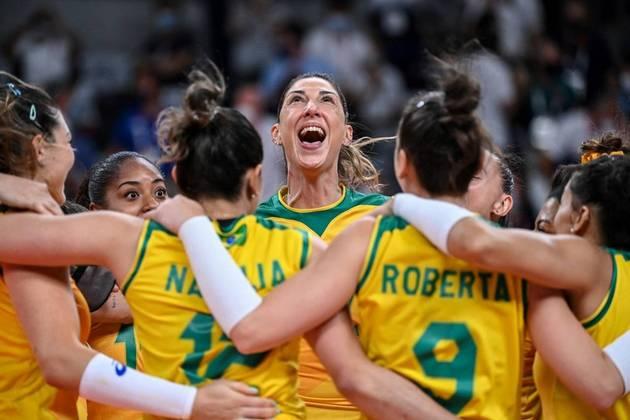 VÔLEI - O Brasil vai disputar a medalha de ouro no vôlei feminino. A Seleção Brasileira atropelou a Coréia do Sul por 3 sets a 0, com parciais de 25/16, 25/16 e 25/16.