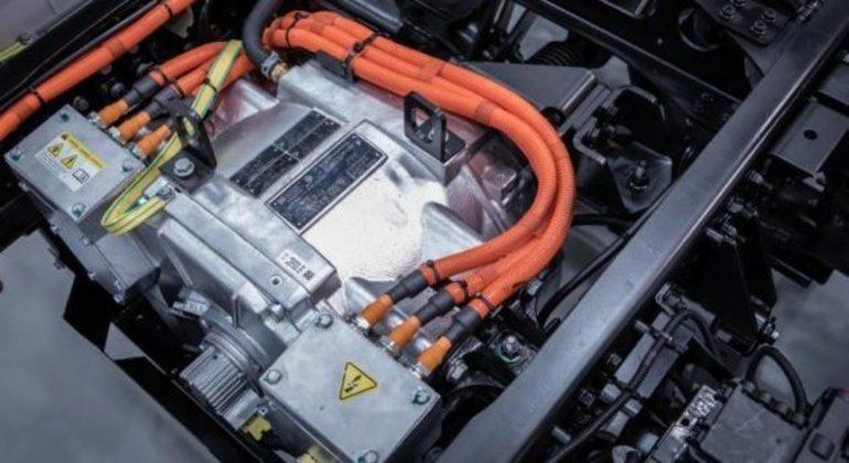 Caminhões elétricos podem ser carregados em fonte de corrente contínua de até 150 kW de potência