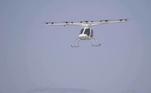 O táxi áereo Volocopter 2X, um veículo aéreo parecido um drone gigante, da empresa alemã Volocopter, voou durante 3 minutos sobre o Aeroporto de Le Bourget, durante o Fórum Aéreo de Paris. A demonstração marca o início de uma série de testes para que esse meio de transporte possa cruzar o céu da França até 2024, quando serão realizados os Jogos Olímpicos no país