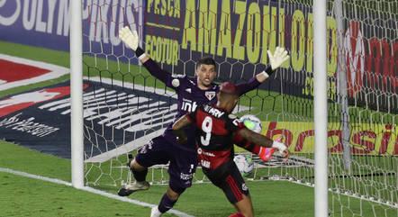 Volpi parou Gabigol na vitória do São Paulo