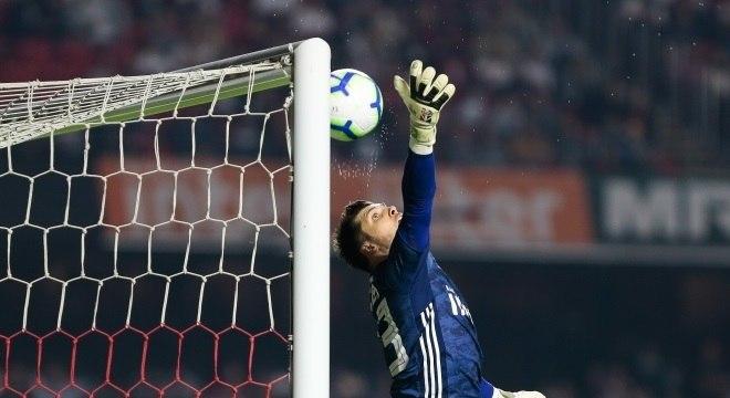 Tiago Volpi falhou no gol do Palmeiras contra o São Paulo