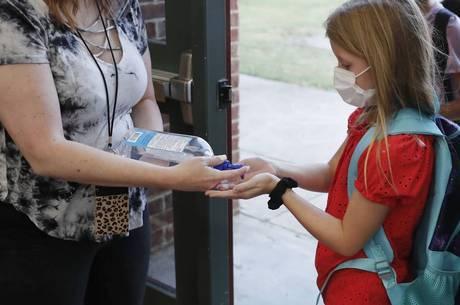 Estudantes terão de seguir medidas sanitárias