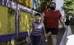 Asaulas presencias na rede municipal de ensino de São Paulo voltam em 3,4 mil escolas nesta segunda-feria (15). Em outras 530 unidades as aulas acontecerão de forma online até a próxima segunda-feira (22)