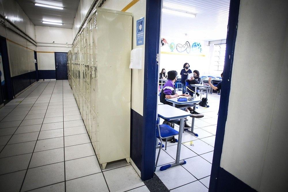 Câmara aprova projeto que torna escolas e faculdades essenciais