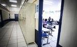 Poucos alunos na Escola Estadual Professor Milton da Silva Rodrigues, na Freguesia do Ó, na zona norte de São Paulo (SP). Mesmo com a pandemia, governo do Estado de São Paulo autoriza aulas presenciais para alunos do ensino médio nas escolas publicas e privada