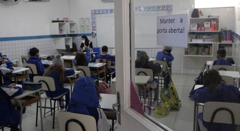 Alguns estados e municípios retomaram aulas presenciais nesta semana