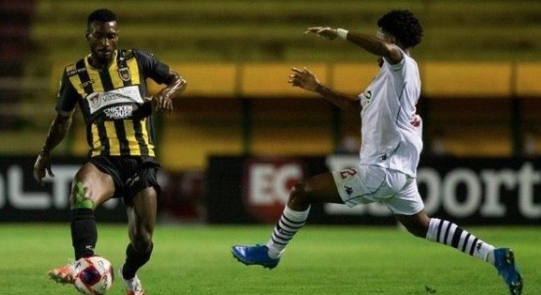 Volta Redonda e Vasco fizeram jogo equilibrado, mas o time da casa levou a melhor
