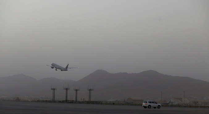 Voos humanitários operados pela ONU voltam a partir para Cabul