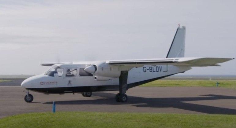 Oito passageiros embarcam nesse avião diariamente