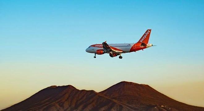 Um casal deixou o voo e viajou no dia seguinte