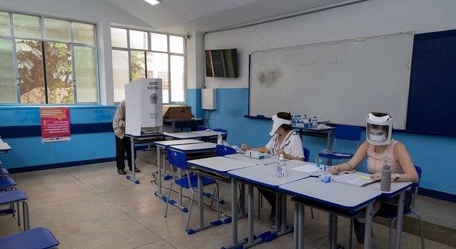 Confirmada a inelegibilidade do prefeito vitorioso, são convocadas novas eleições